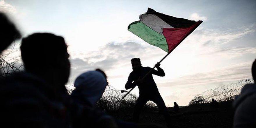 Filistinli Aktivistlerden 'Gazze'yi Kurtarın' Kampanyası