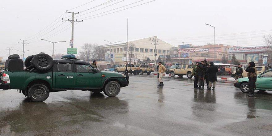 Kabil'de Askeri Birliğe Saldırı: 5 Ölü
