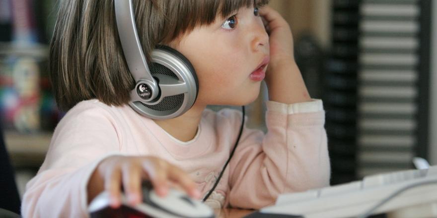 Ebeveynlere Uzak, YouTuberlara Yakın Çocuklar!