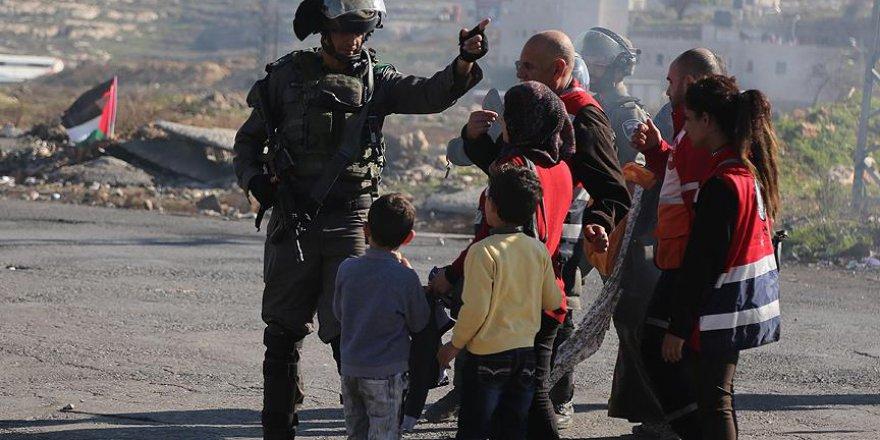 14 Yaşındaki Filistinli Kız Çocuğuna 'Sürgün'
