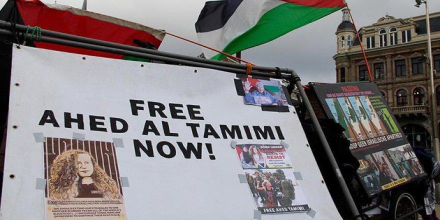 Hollanda'da Filistinli Ahed'e Destek Gösterisi
