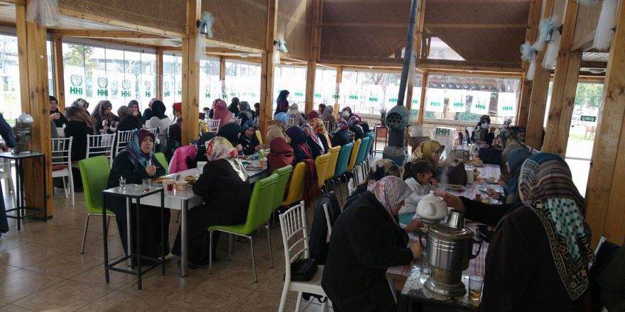Amasya İHH Kadın Kolları Kahvaltı Programı Düzenledi