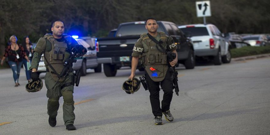 ABD'de Okula Saldırı: 17 ölü