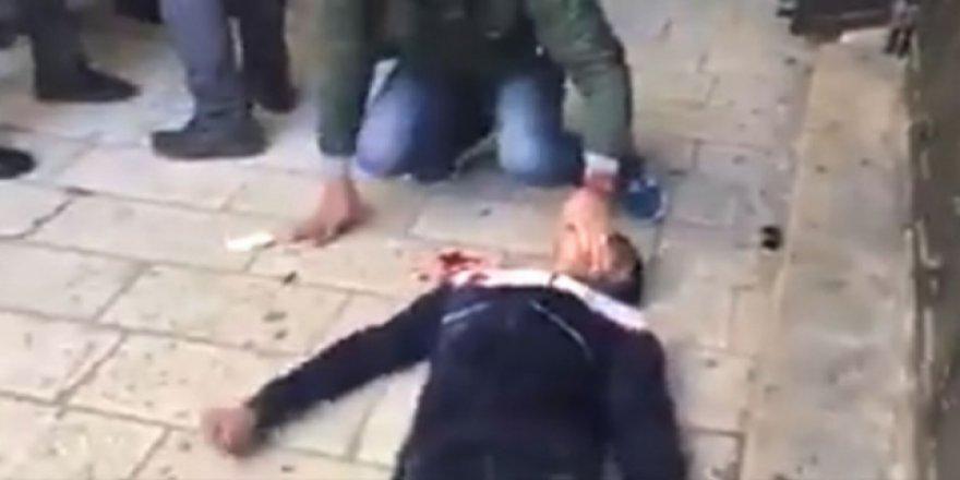 Siyonist İşgalciler Filistinli Genci Linç Etti