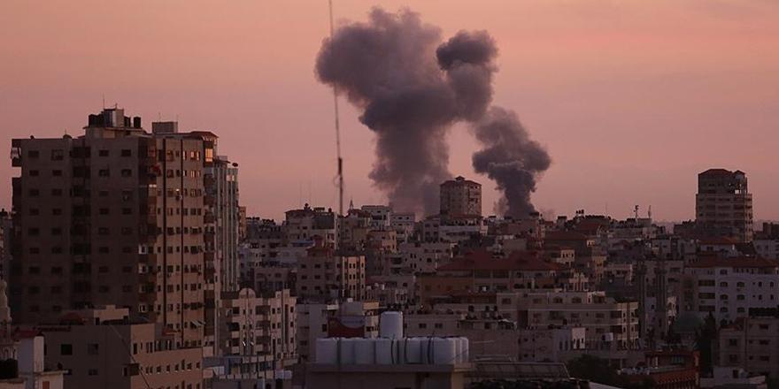 İşgalci İsrail Ordusu Gazze'yi Bombaladı!