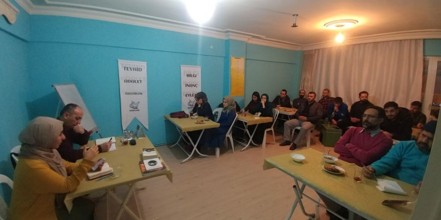 """Kocaeli Özgür-Der'in """"Çağdaş İnsanın Sorunları ve İslam"""" Programları Devam Ediyor"""