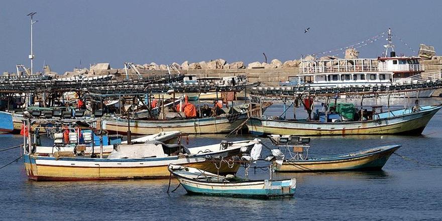 İran, Katarlılara Ait İki Balıkçı Teknesini Durdurdu!
