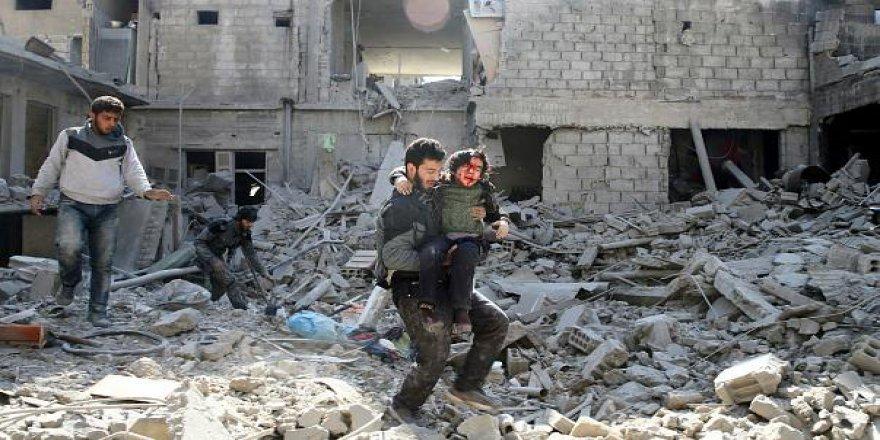 Suriyeler Doğu Guta İçin Rusya Konsolosluğu'na Yürüyor