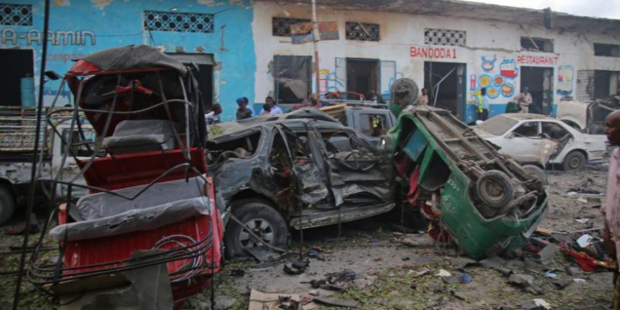Somali'de İki Ayrı Bomba Yüklü Araçla Saldırı: 21 Ölü