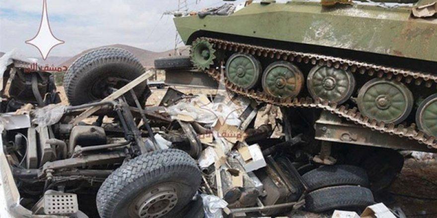 Rus Tankı Doğu Guta'ya Yardım Götüren Tırı Ezdi