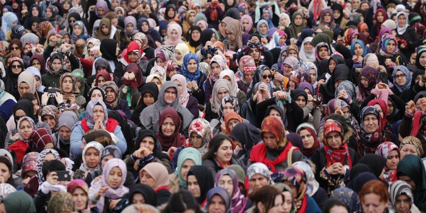 Esed Rejiminin Zindanlarında İşkence Gören Kadınların Sesi Oldular