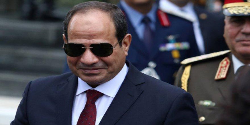 Mısır'da Seçmene Darbeci Sisi'ye Oy Vermekten Başka Seçenek Bırakmayan Seçim Tiyatrosu