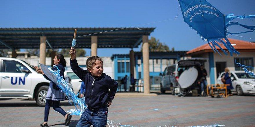 Gazzeli Çocuklardan UNRWA İçin 'Uçurtma' Eylemi