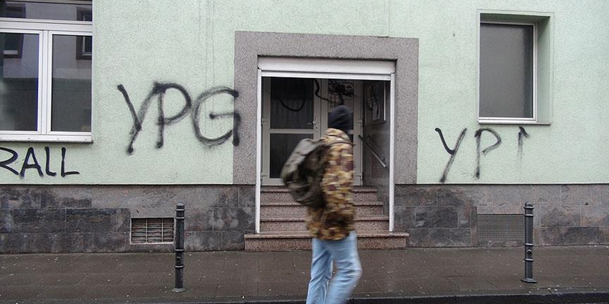 PYD/PKK Yandaşları Almanya'da Cami ve Restorana Saldırdı!