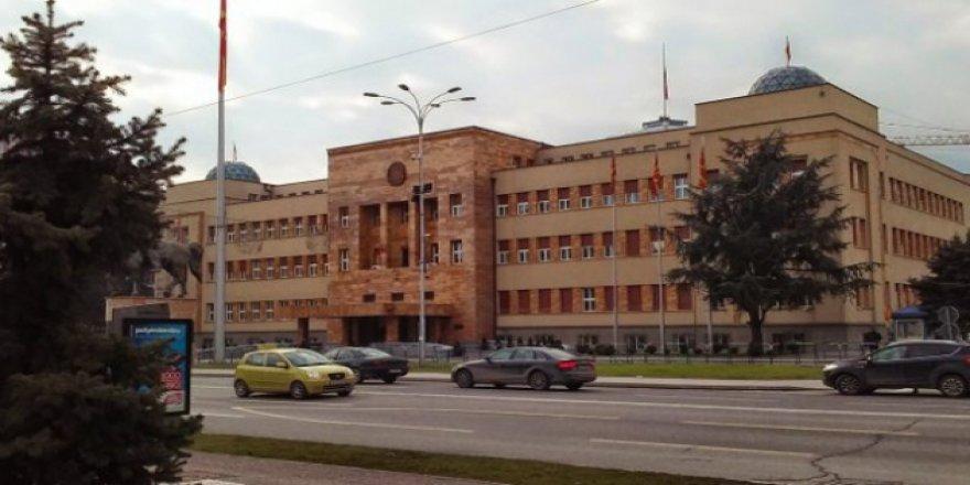 Makedonya Meclisi'nden Arnavutçaya Onay