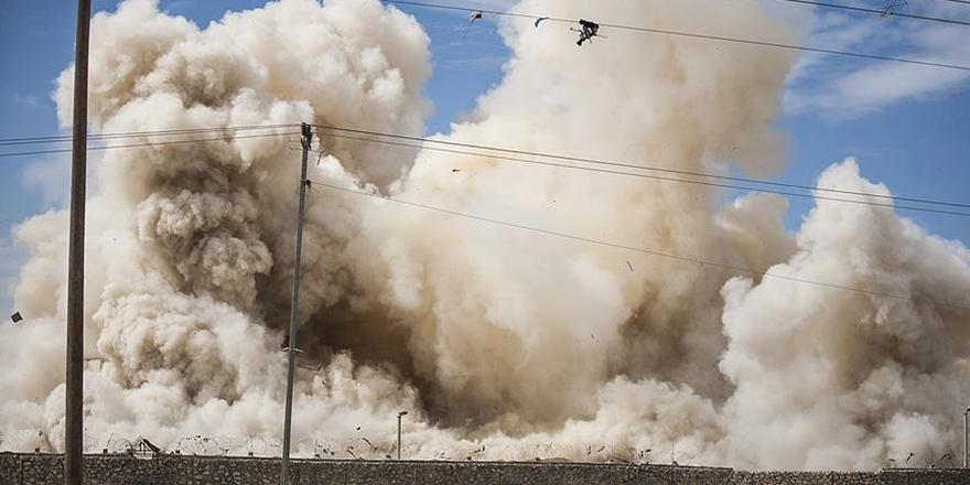 İşgalci İsrail Gazze'deki Tarım Arazilerini Uçaklarla Bombaladı!