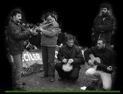 """Grup Yürüyüş'ün """"Şuheda"""" Marşına Klip"""