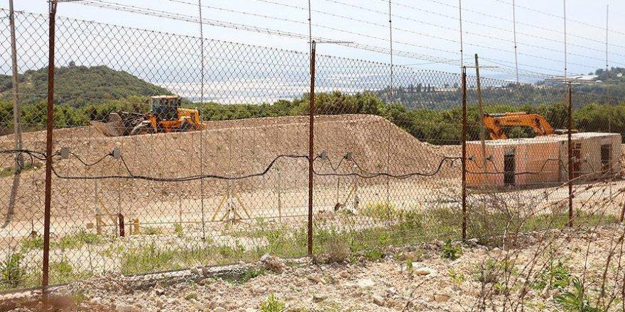 İsrail, Gazze'nin Doğu Sınırına Yeni Dikenli Teller Örüyor