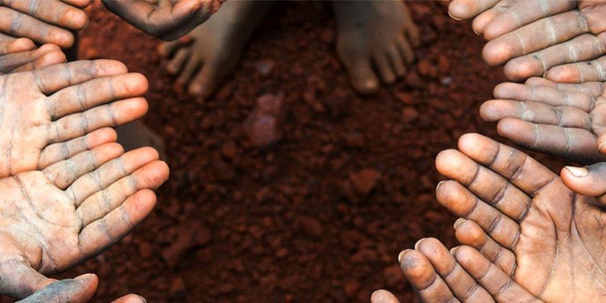 Biz Fakirliği Seçtik, Allah da Bizi Fakir Kıldı