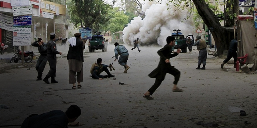 IŞİD'den Afganistan'da Canlı Bomba Saldırısı!