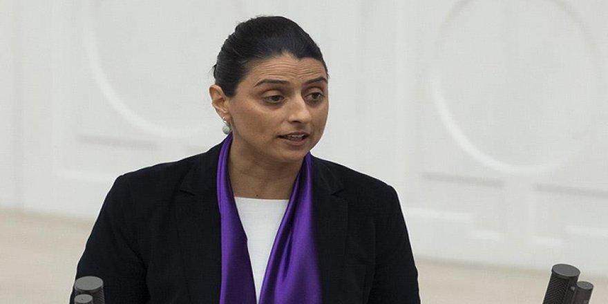 HDP'li Feleknas Uca Hakkında 4 Suçtan 2 Ayrı Fezleke