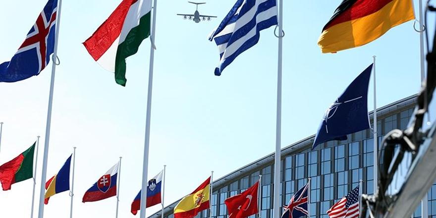 NATO 7 Rus Diplomatın Akreditasyonunu İptal Etti