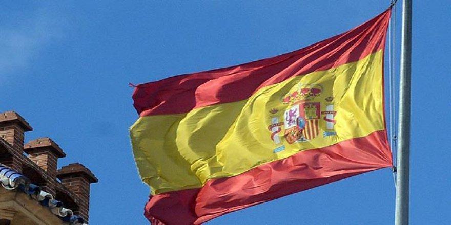 İspanya'da 1 Günde 832 Kişi Koronavirüsten Öldü