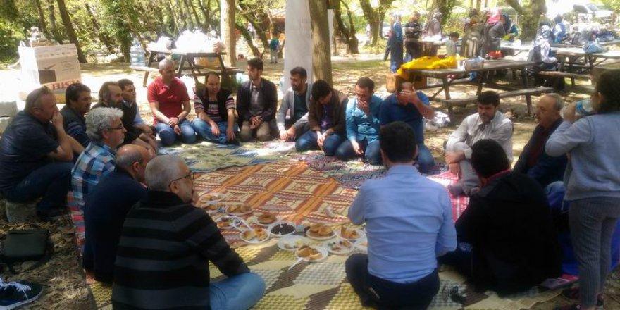Bergama İlim ve Hayırlar Vakfı Üyeleri Piknikte Buluştu