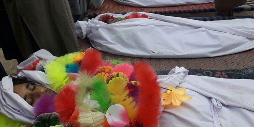 Taliban'dan Medrese Katliamı Mağdurlarına Maddi Destek