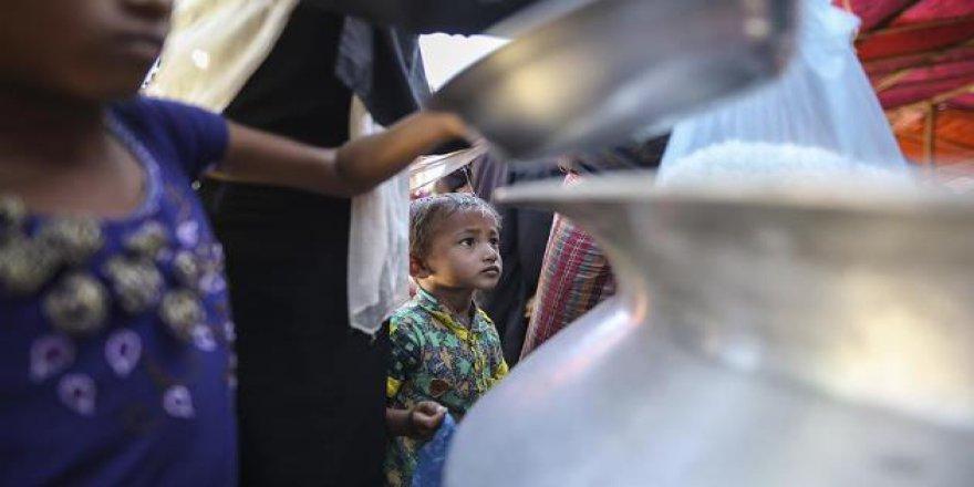Myanmar Arakanlı Müslümanlara Yardımı Engelliyor
