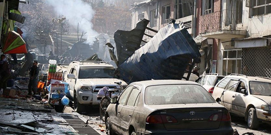 Kâbil'de Canlı Bomba Saldırısı: 4 Ölü, 15 Yaralı