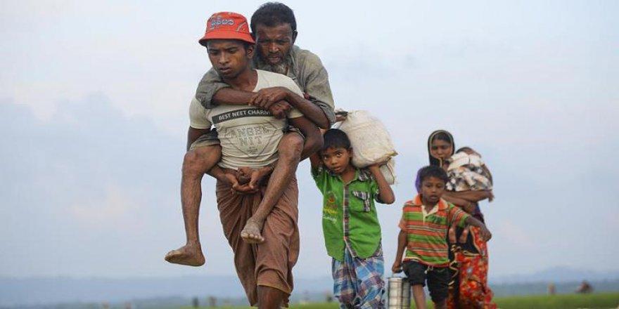 Myanmar Medyası Üç Maymunu Oynuyor