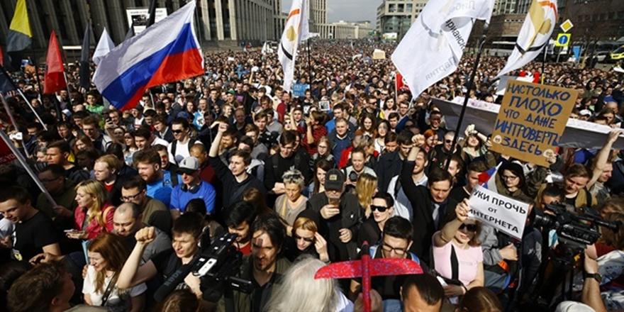 Moskova'da Telegram Yasağı Protesto Edildi