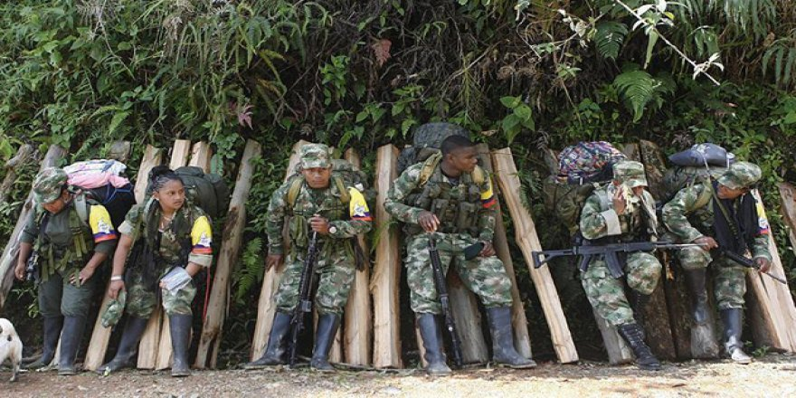 Kolombiya'da FARC Muhalifleri ile Ordu Arasında Çatışma