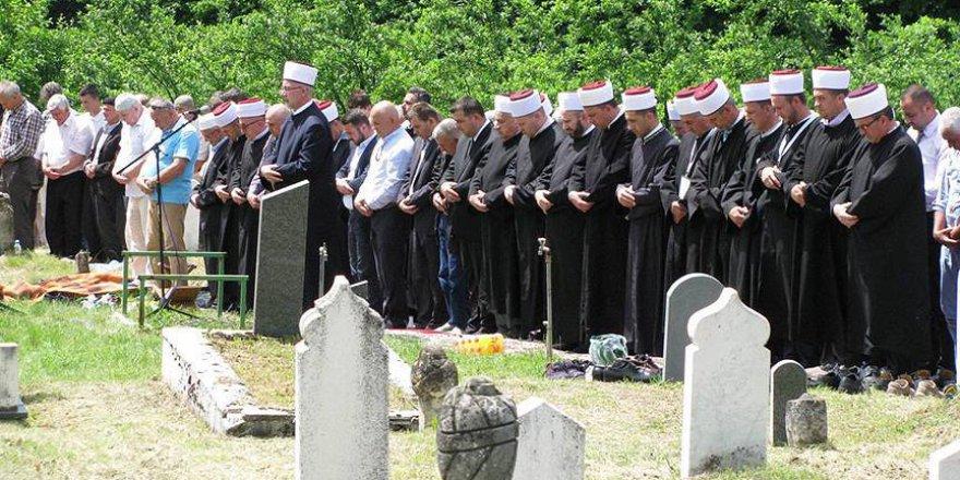 Bosna Savaşı'nda 26 Yıl Önce Yakılan 8 Kurban Toprağa Verildi