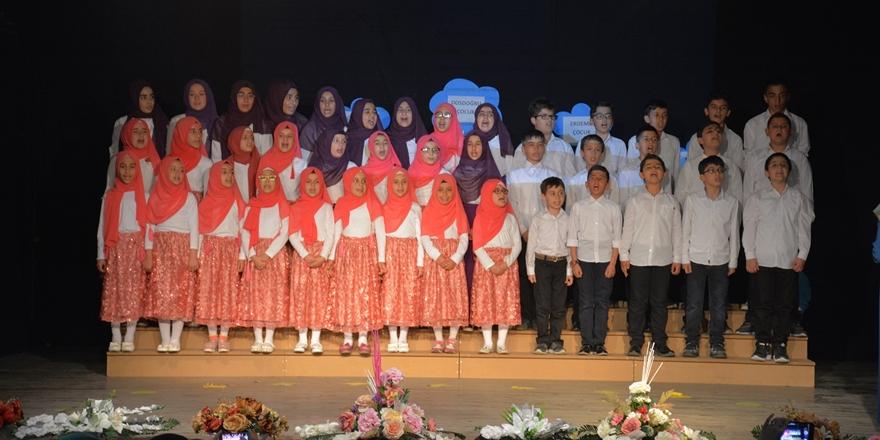 Bingöl Özgür Çocuk Kulübü Yıl Sonu Etkinliği Düzenlendi
