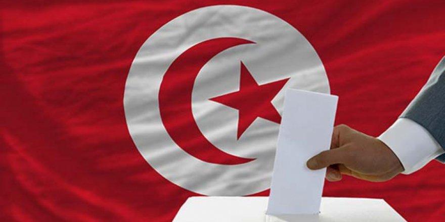 """Tunus'taki Seçim Tablosu """"İslamcılık Bitti"""" Diyenlere Bir Şey Anlatıyor mu?"""