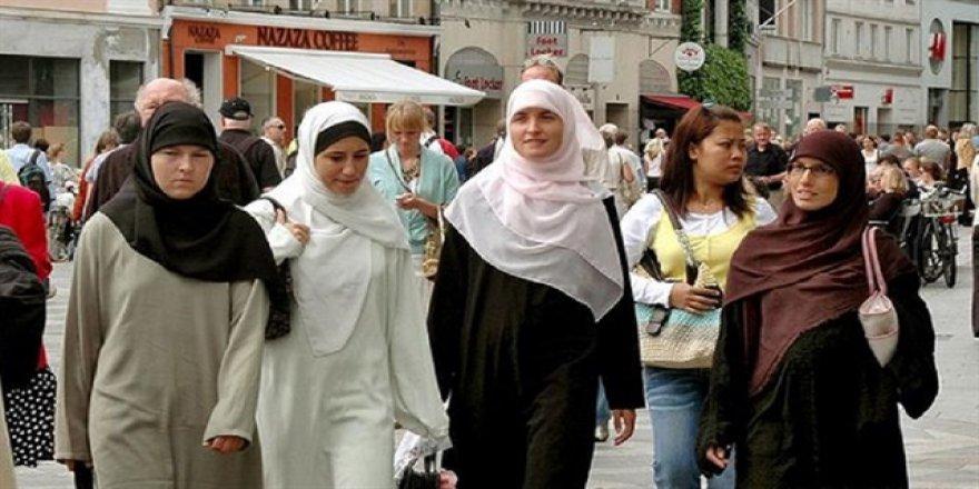 Avrupa'da Müslümanların Nüfusu 44 Milyonu Buldu