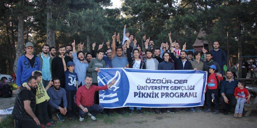 Üniversiteli Gençler Piknikte Buluştu
