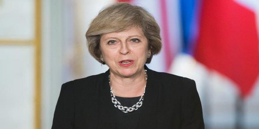 İngiltere Başbakanı May İçin 'Güvensizlik Oylaması' Talep Edildi