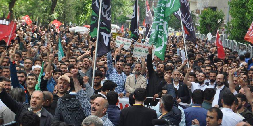 Diyarbakır'da On Binler Kudüs İçin Yürüdü