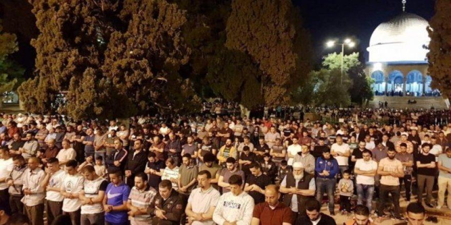 Mescid-i Aksa'da İlk Teravih Namazı Kılındı