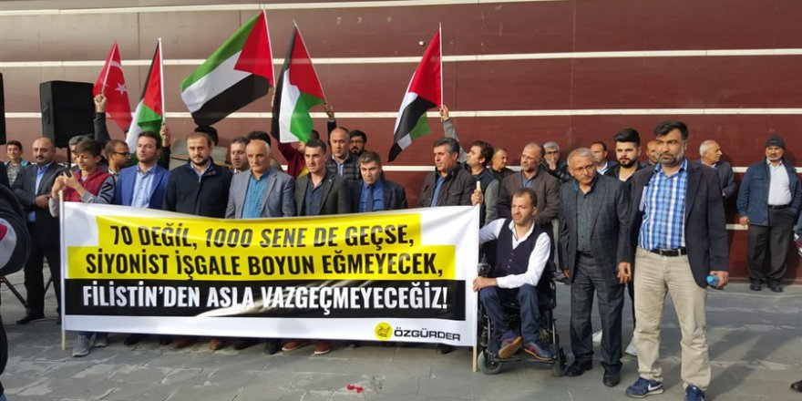 İsrail'in Gazze'deki Katliamı Tatvan'da Lanetlendi