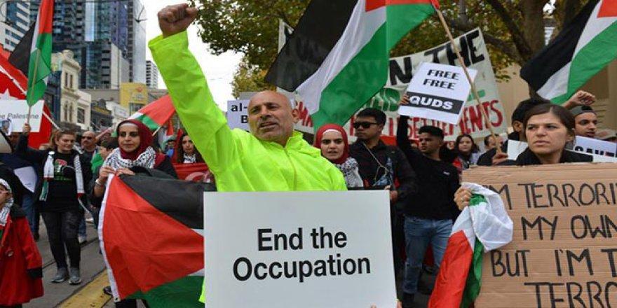 İsrail'in Gazze Katliamı Avustralya'da Protesto Edildi