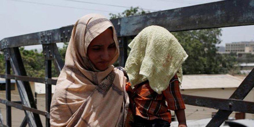 Pakistan'da Aşırı Sıcaklar 65 Can Aldı