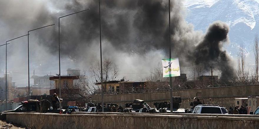Afganistan'da Taliban İki İlçeye Saldırdı: En Az 14 Ölü