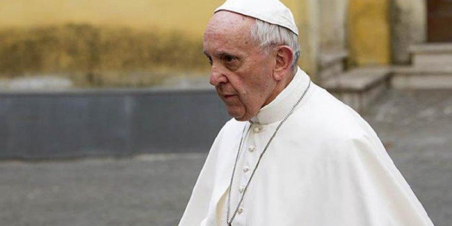 Papa: İslam'ın Terörizmle Bir Tutulması Saçmalık