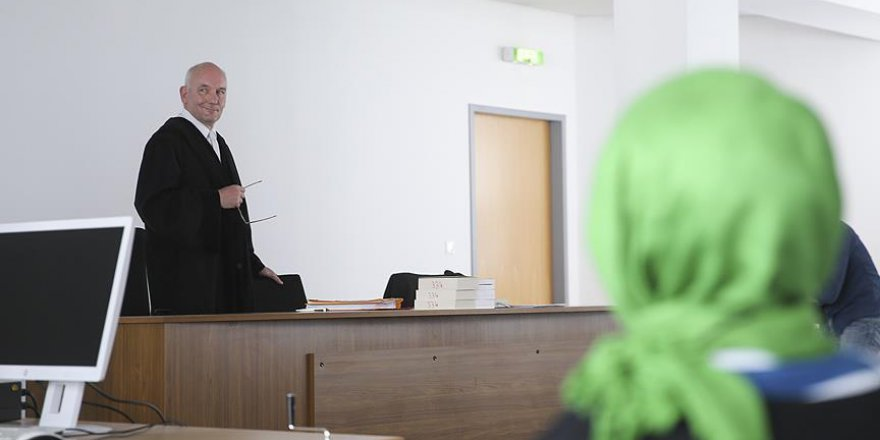 Alman Mahkemesinden Başörtüsü Aleyhtarı Çifte Karar
