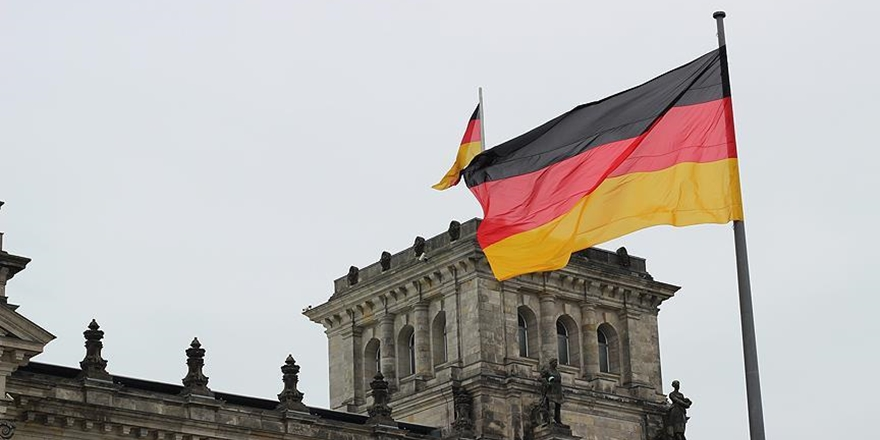 Almanya'nın Başkenti Berlin'de Camiye Saldırı!
