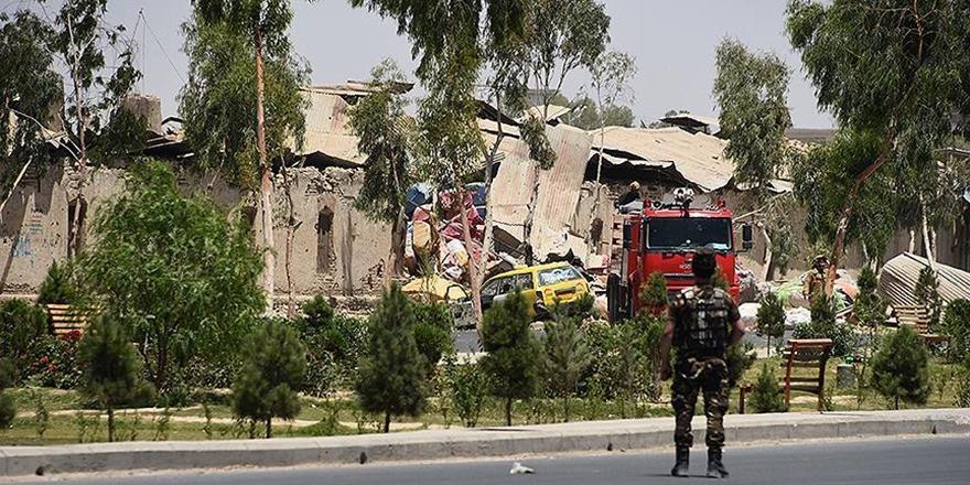 Afganistan'da Seçim Merkezine Bombalı Saldırı: 2 Ölü